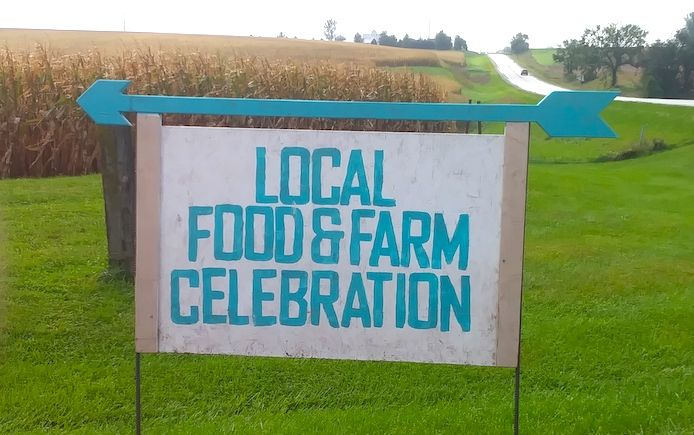 iowa farm tour sign