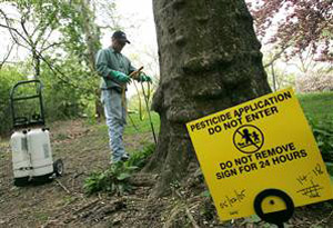http://www.panna.org/sites/default/files/user1/Danger-sign-pesticide-spraying.jpg